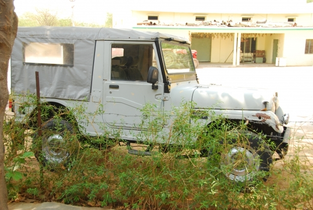Mahindra Jeep restore